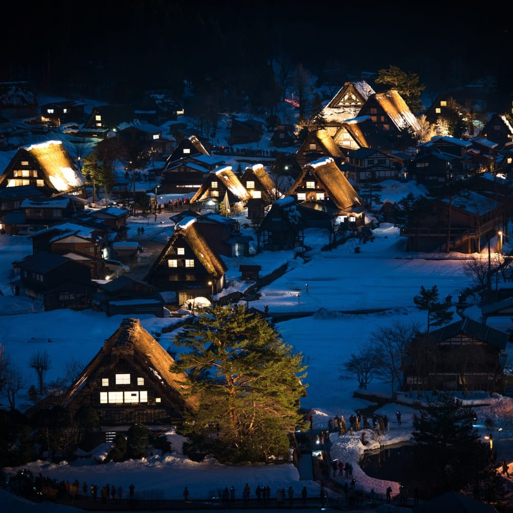 Shirakawa go and Hida furukawa: 2 beautiful places near Takayama